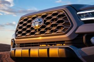 Egyszerre két monstre felmérés szerint is brutálisan jó a Toyota és Lexus modellek értéktartása