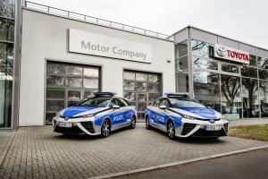 A berlini rendőrök a jövő autójával járőröznek
