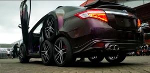 Nyolckerekű Toyota Vios: teljesen értelmetlen, mégis lenyűgöző
