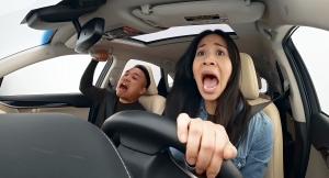 Tudni akarja, milyen érzés vakon vezetni? Ebben a Lexusban megtudhatja!