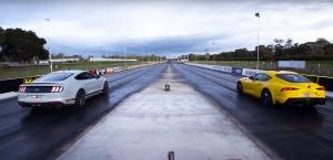 Négy versenyből négy győzelem: kiütéssel győzött a Toyota GR Supra a Ford Mustang Mach 1 ellen