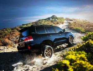Különleges Heritage modellel búcsúzik a Toyota Land Cruiser 200-as sorozata
