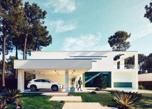 Jövőre érkezik a plug-in hibrid Lexus
