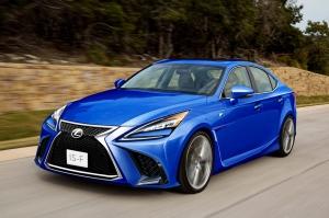 Ismét lesz nagyteljesítményű Lexus szedán?