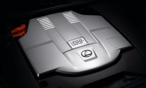 Nagyobb, erősebb hibrid kerül a Lexus LS-be