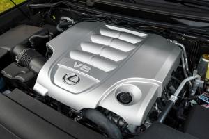 Különleges hajtáslánccal debütálhat a Lexus új generációs óriás-terepjárója