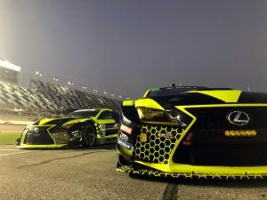 A motorsporton keresztül fiatalít a Lexus