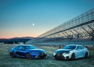 V8-ast küldött az űrbe a Lexus!