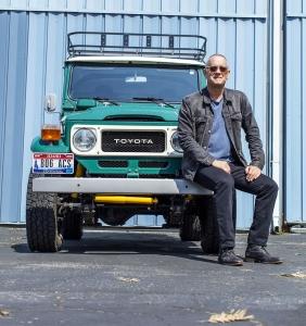 Eladó Tom Hanks terepjárója, ami nem más, mint egy Land Cruiser