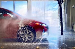 A jövő autója magától megy a mosóba