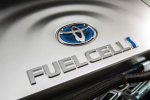 Haszonjárművekbe fejleszt üzemanyagcellát a Toyota vegyesvállalata