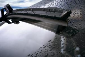 Üdvözlet a XXI. században: időjárás előrejelzés Toyota-ablaktörlőkkel