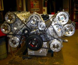 Két Toyota Supra blokkból építettek V12-es erőművet