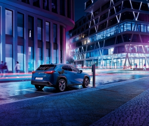 Új utakon: megérkezett a tisztán elektromos Lexus UX 300e