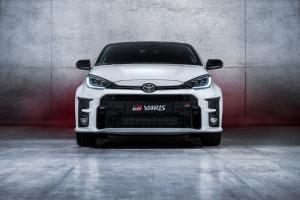 Kizárólag benzinvérűeknek: megérkezett a Toyota városi versenyautója