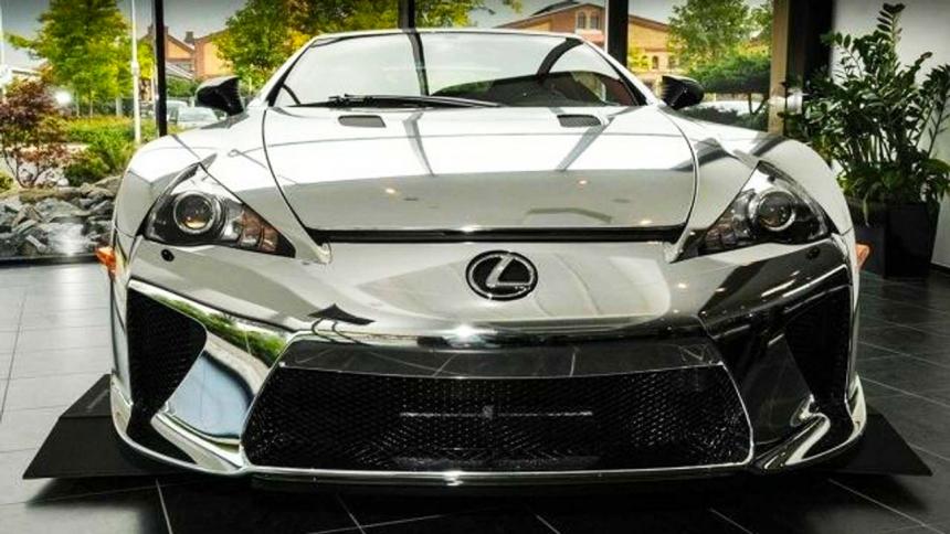 """""""Tükröm, tükröm…"""" – több mint egymillió eurót kérnek a legcsillogóbb Lexus LFA-ért"""