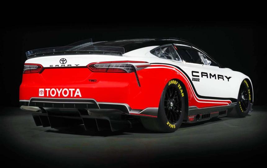 Bemutatta a Toyota új generációs NASCAR versenyautóját